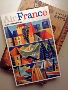 Une Carte postale Air France de 1964, oubliée dans un livre de poche...